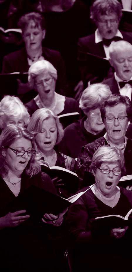 meezingen in een koor in Enschede
